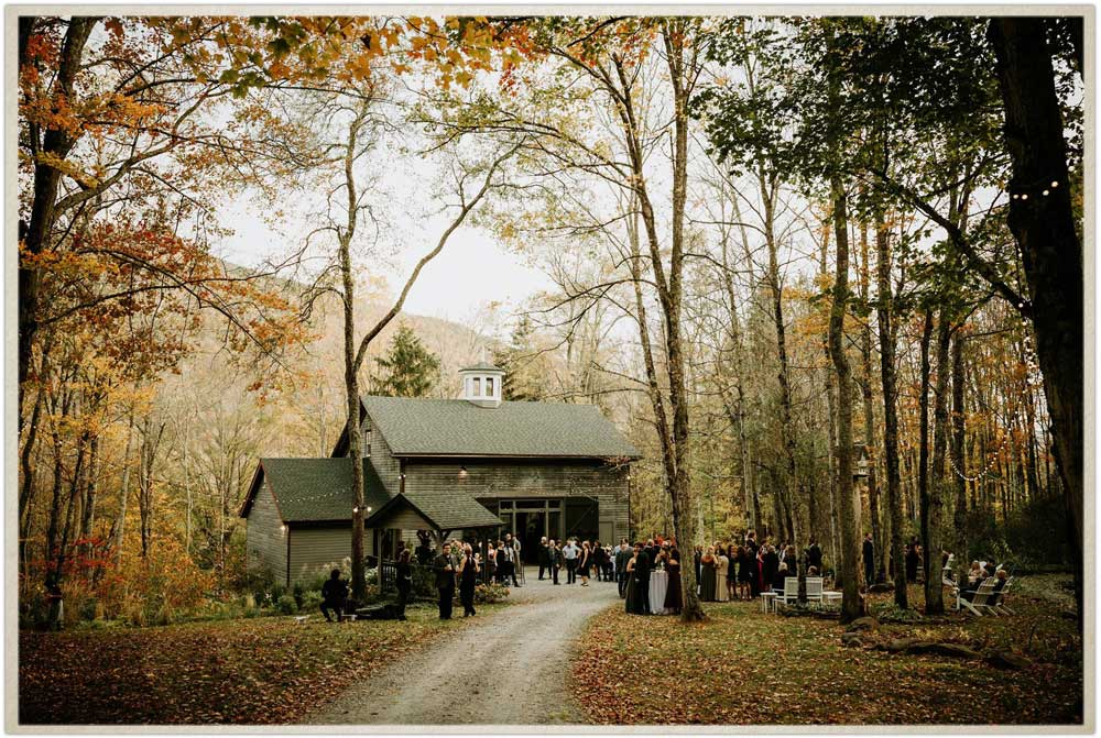 Fall wedding in the Catskill Mountains in Upstate New York