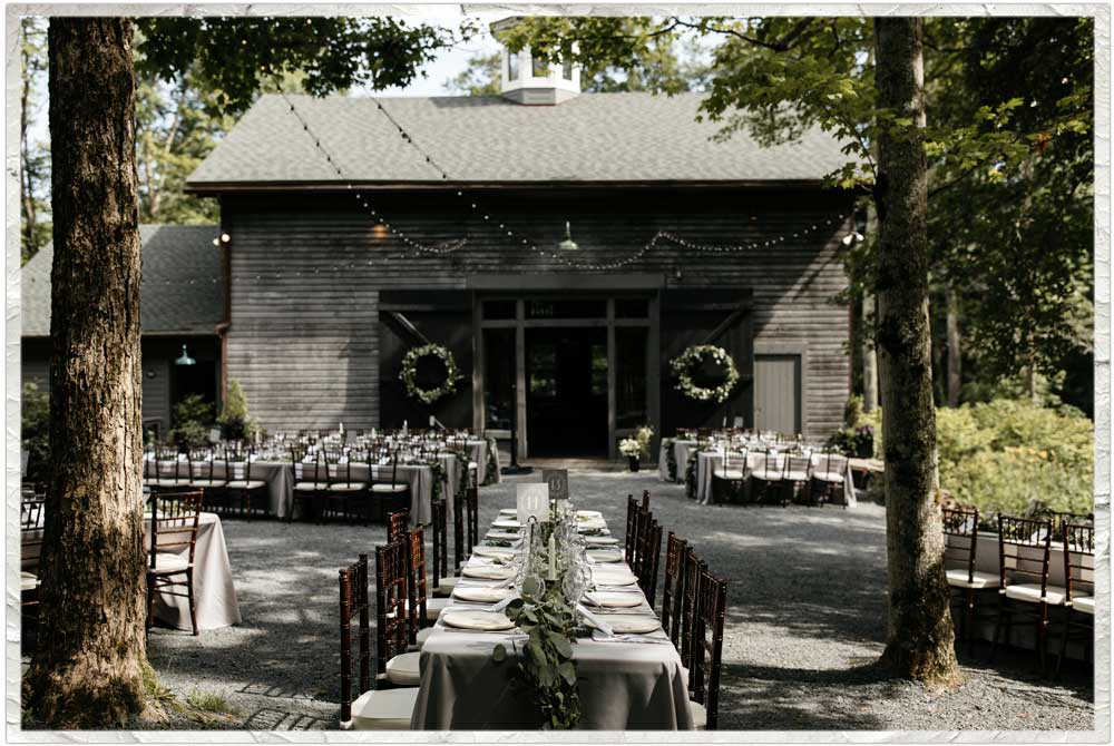 Outdoor dinner on the courtyard at Roxbury Barn and Estate